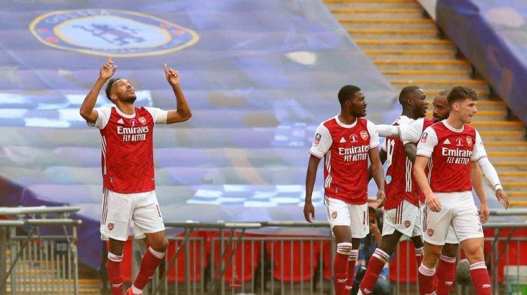 """London finalını """"Arsenal"""" qazandı"""