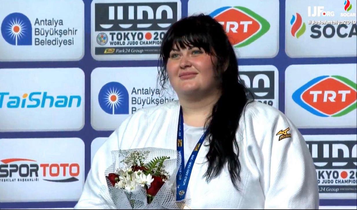 """İrina Kindzerskaya: """"Çalışmışam ki, başladığım hər biri işi uğurla başa çatdırım"""""""