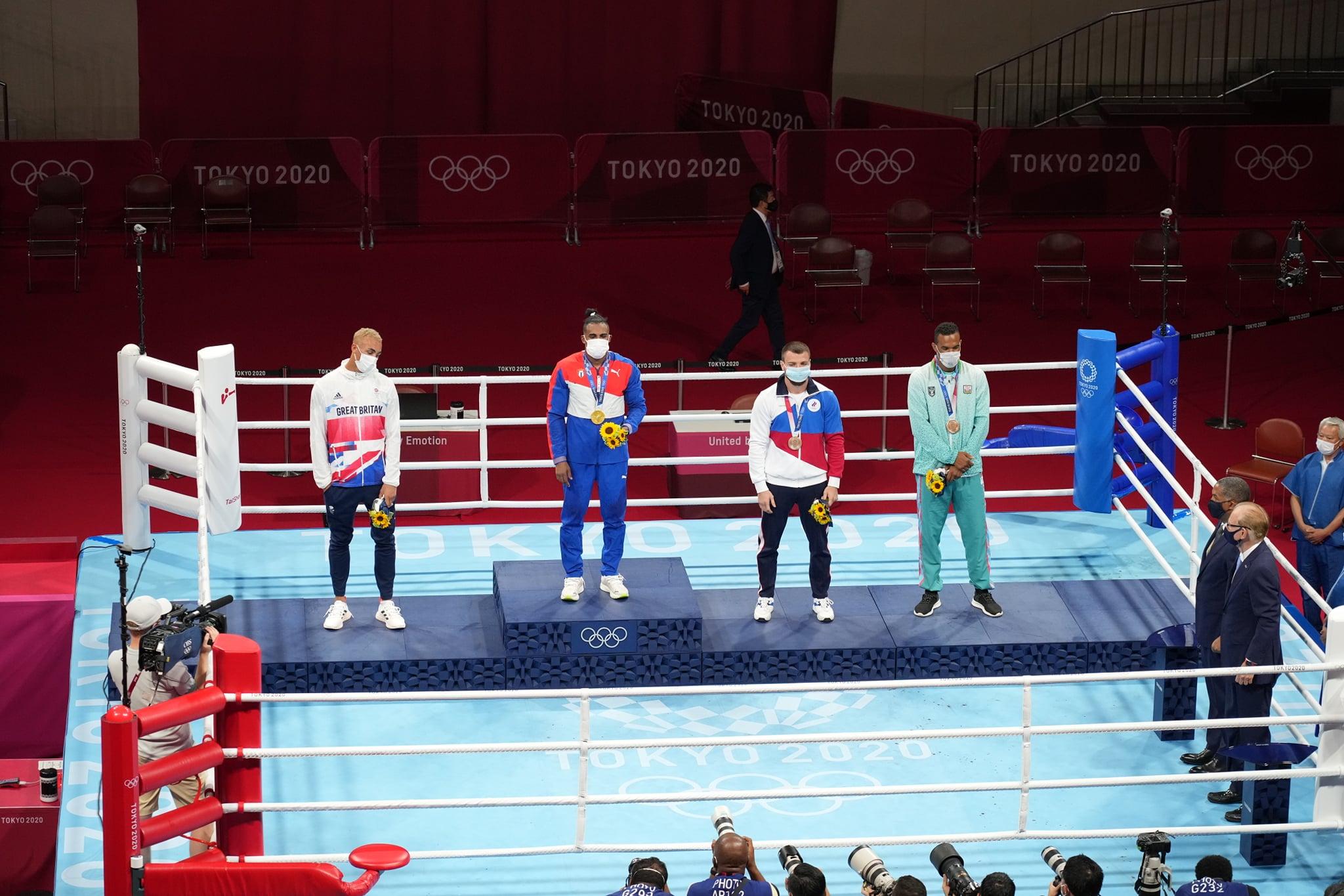 Boksçumuza bürünc medal təqdim olundu — FOTO