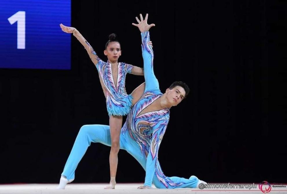 Akrobatika gimnastlarımız ikinci oldular