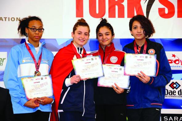 Beynəlxalq turnirdən 1 qızıl, 1 gümüş və 6 bürünc medal