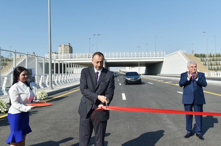 Azərbaycan Prezidenti İlham Əliyev Bakı Olimpiya Stadionu ətrafında inşa olunan yol-nəqliyyat infrastrukturunun açılışında iştirak edib