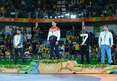 Olimpiya çempionumuz olimpiadanı gümüş medalla başa vurdu - FOTOLAR