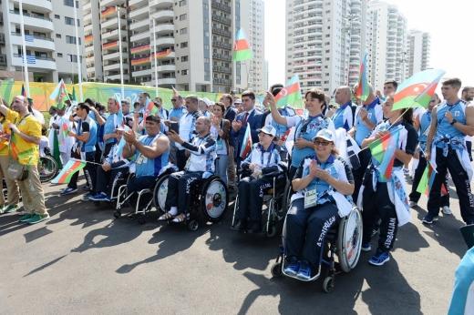 Paralimpiya kəndində Azərbaycan bayrağı qaldırılıb