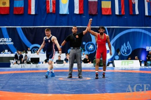 Güləşçilərimiz Macarıstanda 2 medal qazanıblar
