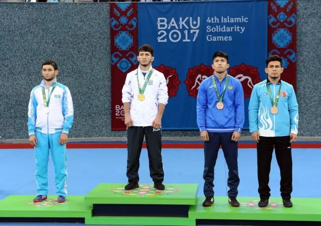 Sərbəst güləşçilərimiz 2 qızıl, 1 gümüş medal qazandılar