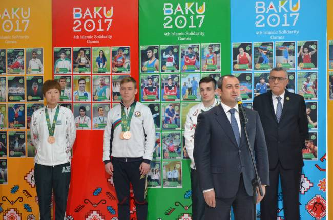 Bakı-2017: Adil Əliyev idmançılarımızın çıxışını dəyərləndirib -  VİDEO MÜSAHİBƏ