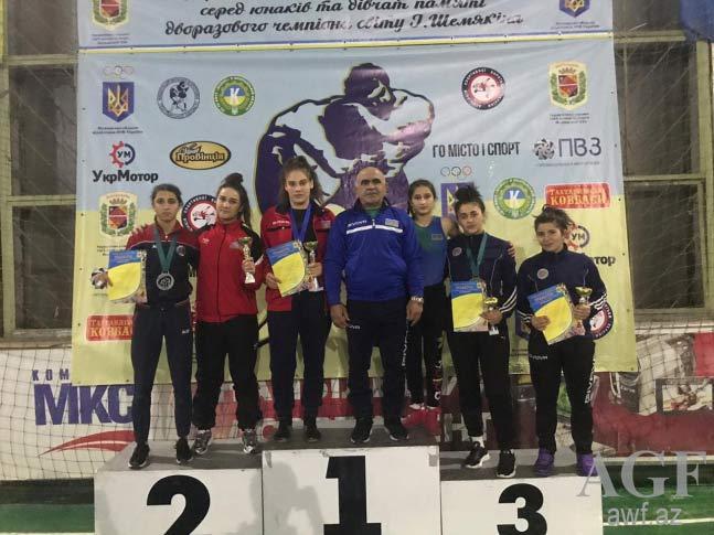 Qadın güləşçilərimiz Ukraynadan 4 medalla qayıdıblar