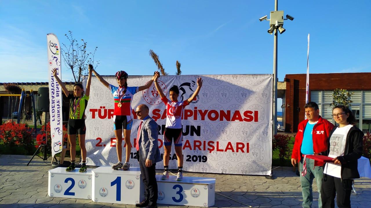 Qadın velosipedçimiz Türkiyədə uğur qazandı