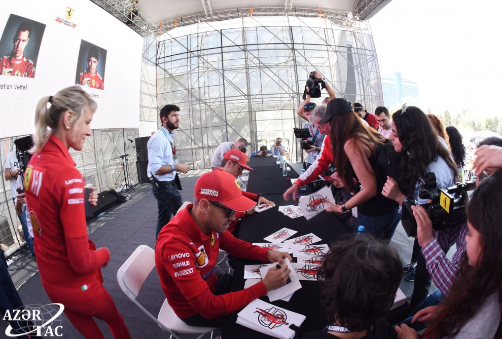 Formula 1: Pilotlar imzalarını payladılar