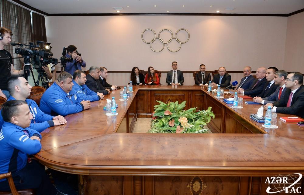 Pauerliftinq üzrə paralimpiya milli komandasının üzvləri ilə görüş keçirilib