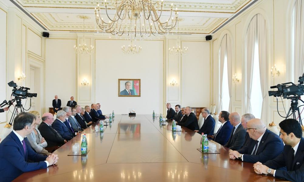 Prezident İlham Əliyev UEFA-nın prezidentinin başçılıq etdiyi nümayəndə heyətini qəbul edib