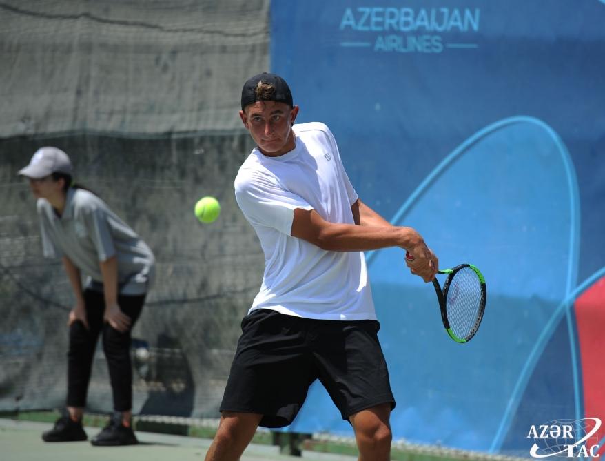 Oğlan tennisçilərin fərdi yarışlarında 1/4 finalın iştirakçıları müəyyənləşib