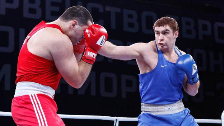 İki boksçumuz Dünya Çempionatının dörddəbir finalındadır