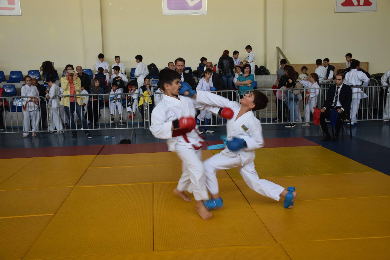 Karateçilər Hövsanda full və layt döyüşəcəklər