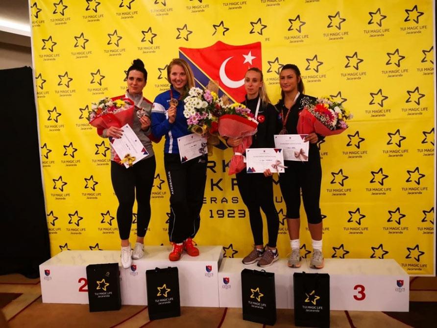 Qılıncoynadanımız qızıl medal qazanıb