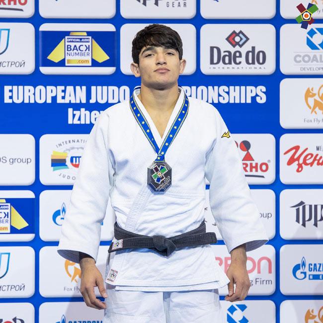 """""""Judo club 2012""""nin gənc cüdoçusu Avropa çempionatının gümüş medalına sahib çıxdı"""