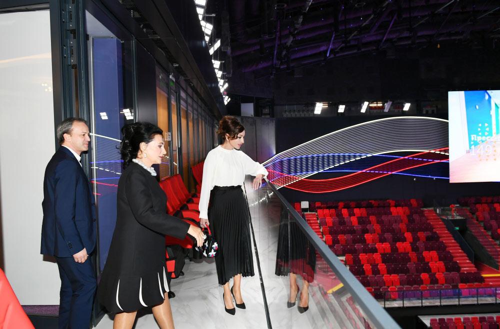 """Birinci vitse-prezident Mehriban Əliyeva """"Lujniki"""" Olimpiya Kompleksində Gimnastika Mərkəzi ilə tanış olub"""