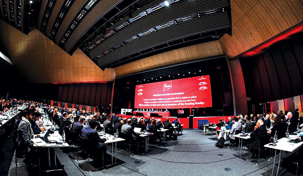Lozannada Beynəlxalq Qılıncoynatma Federasiyasının konqresi keçirilib