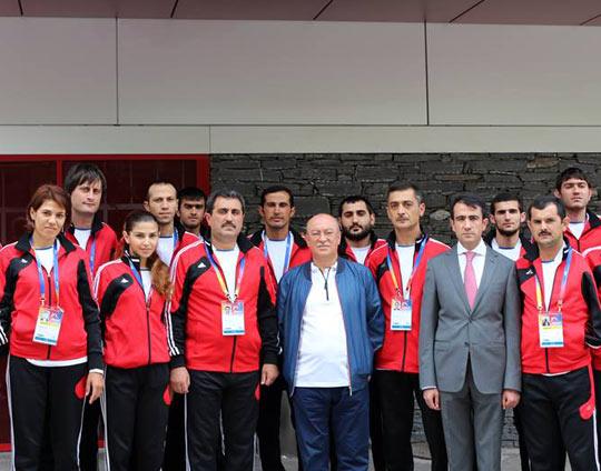 Dünya çempionatından 2 qızıl, 6 gümüş və 4 bürünc medal