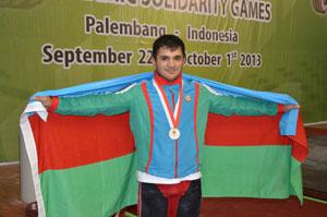 İntiqam Zairov yarışı gümüş medala başa vurdu